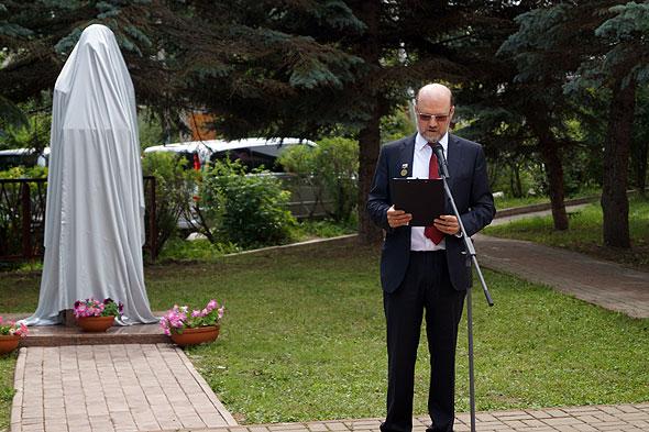 Александр Щипков, почетный гражданин Тарусы, публицист, инициатор и строитель памятника