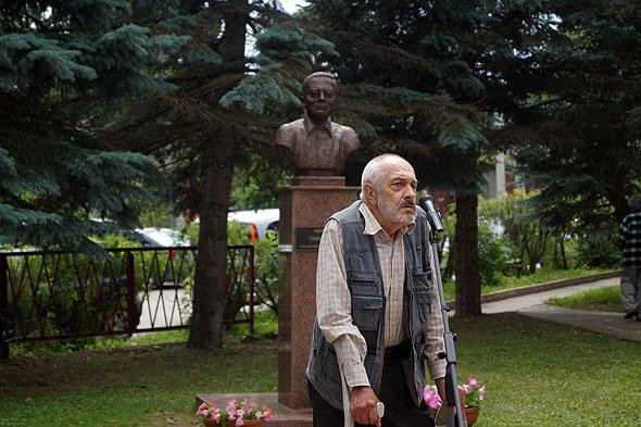 автор бюста Н.Заболоцкого скульптор Александр Казачок